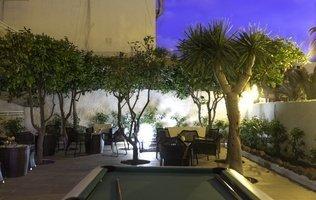Garden Hotel Coral California